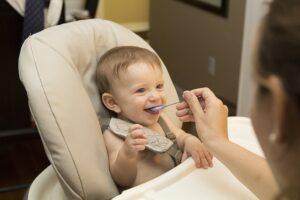 Etetőszék babáknak